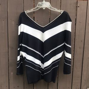 Dana Buchman navy and white wide v-neck sweater